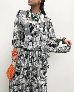 Diane freis dots × floral mosaic print tops ( ダイアン フレイス 花柄 モザイク トップス )