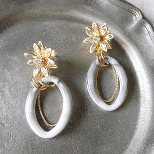 Gold flower with White marble earrings