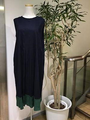 裾配色ワンピース
