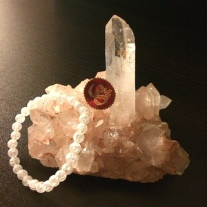 パールバティー渓谷産ホワイトファントム水晶クラスター 頂
