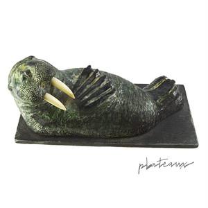 イヌイット あざらし ソープストーン 石像 彫刻