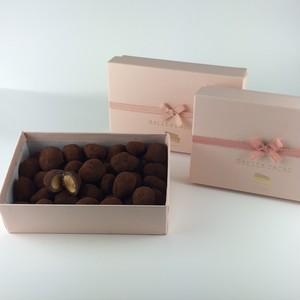 アマンドショコラ 180g入  桃色のプレゼントBox