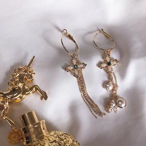 【予約】Pearl drop chain pierce