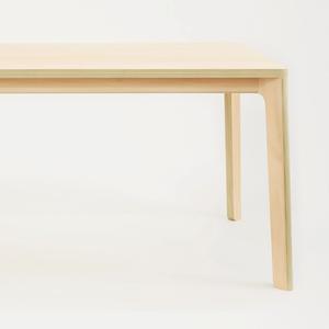 PW TABLE_corner