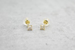 Square Diamond Pierce / K18YG