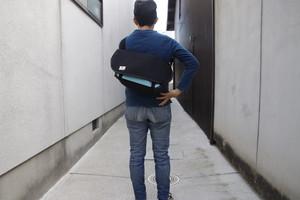 メッセンジャーバッグSサイズ 黒×水色