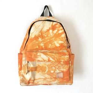 手染めのキャンバスリュックサック / tie-dye orange