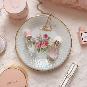 Vintage sweet rose bouquet plate