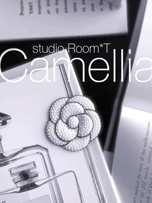 【brooch】Camellia*T ホワイトカラー
