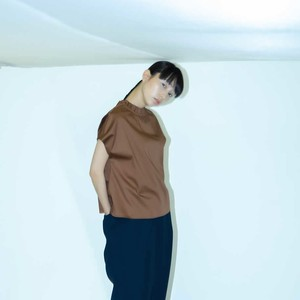 WHYTO. FRIL COLLAR BLOUSE