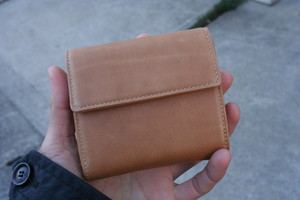 TOMO NARIAI for UNIVERSAL PRODUCTS / BASIC WALLET