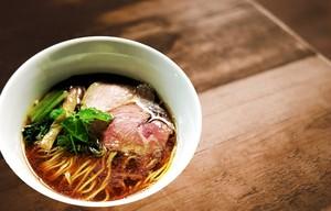 【麺屋 玉ぐすく】醤油らぁめん(自家製麺)