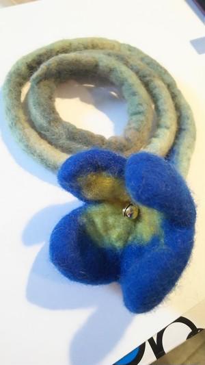 羊毛フェルトフラワーの猫じゃらし ブルー