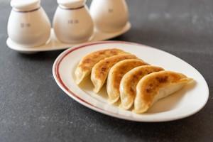 中国料理「彩龍」呂料理長 特製焼き餃子12個入り