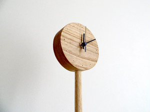 1-legged clock|floor stand type