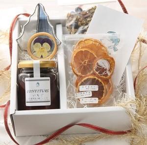 【クリスマスボックス】ステンドグラス「ミニツリー」+季節のコンフィチュール+季節のドライフルーツ+想ふ種グラノーラミニ