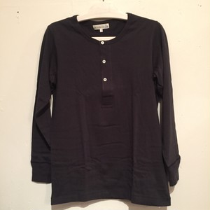 【Merz b.Schwanen】206 HENLEY NECK LONG SLEEVE [BLACK]