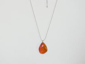 赤オレンジ色ガラスネックレス
