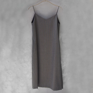 AURALEE WOOL SILK HERRINGBONE SLIP DRESS MIX GRAY
