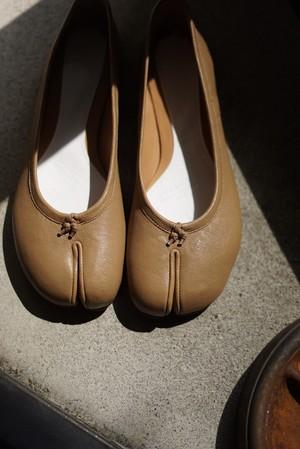 Maison Margiera / tabi ballet -vintage leather- (light brown)