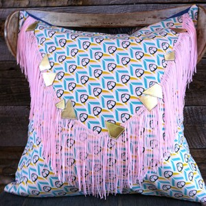 deco pillow/BiB