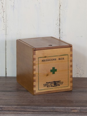 天然木ウッドくすり箱*薬入れ*パイン材収納ボックス*小物入れ