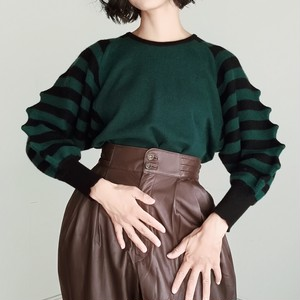 BUMPY SLEEVE DSIGN KNIT SWEATER.