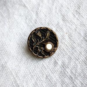 アンティークメタルボタン Austrian Tinies MOPのお花 B0048