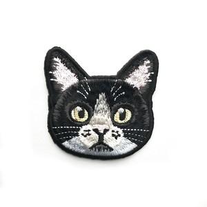ハチワレ猫の刺繍ワッペン