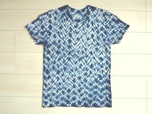 ◆100%自然素材 天然灰汁発酵建て 本藍染◆ 総絞りTシャツ(有松雁木絞り)