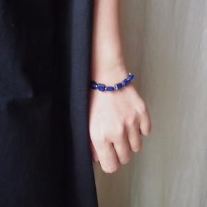 ラピスラズリと銀色ビーズのブレスレット◆seven stones