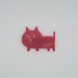 飯川雄大《デコレータークラブ ーピンクの猫の小林さんー》アクリルバッヂ