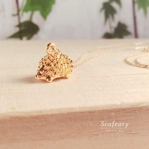 小さなハリネズミのゴールド 極細ネックレス