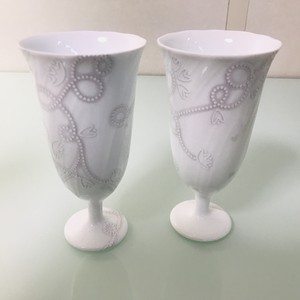 お祝い向け シルバー柄ペアフリーカップ