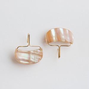"""""""to sea""""  Shell hook earrings /size: M"""
