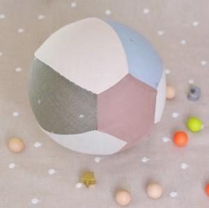 不思議なボールに変身!風船カバー(ブルー系)