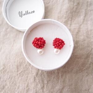 【天然石の刺繍ピアス】red choral × pearl