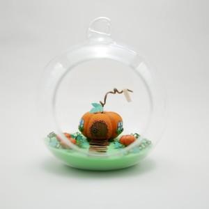 K.C.F「カボチャのガラスドームハウス」