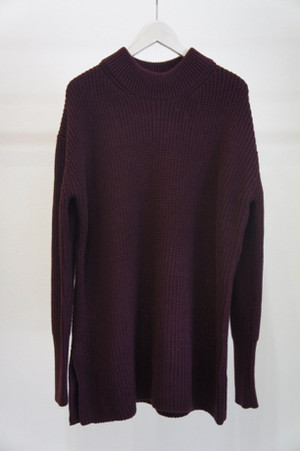 Round Neck Knit / YANTOR