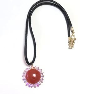 魅惑の赤いネックレス