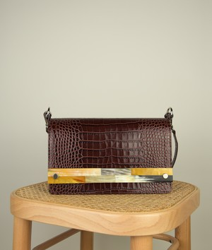 CROSSBODY M  BURGUNDY CROCO EFFECT with MOSAIC HORN