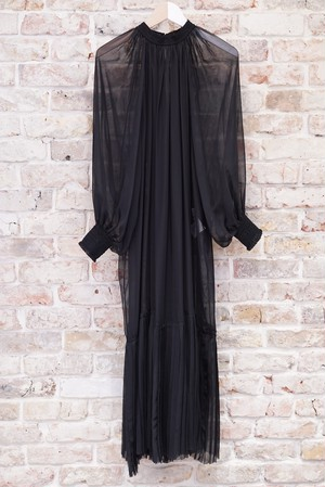 HYKE / SHEER SHIRRED DRESS(BLACK)