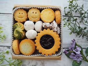 【無添加、国産小麦粉使用】食感様々なクッキーの詰め合わせ缶