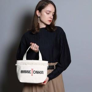 14583200【MINNETONKA/ミネトンカ】Fringe Wide Tote Bag/フリンジトート