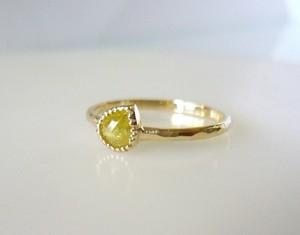 ナチュラルダイヤのK14の指輪(イエローペアシェイプ)