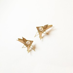 【14kgfピアス】三角×花びらピアス ver.1
