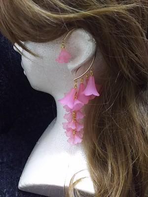 枝垂れイヤーフック ピンク