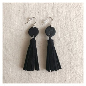 tassel-pierce / black