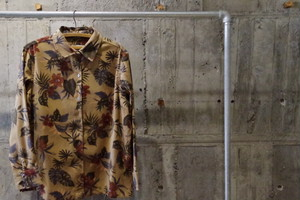 Design fake suede flower pattern shirt(USED)