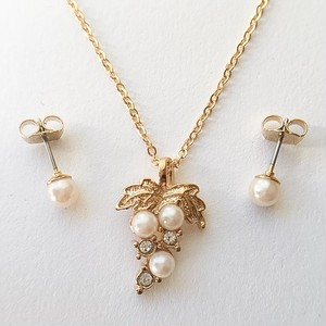 """AVON"" Romantic Ensemble necklace & pierce SET [n-161]"